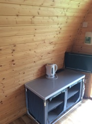 glamping-somerset-cheddar-bridge-pod-inside-s