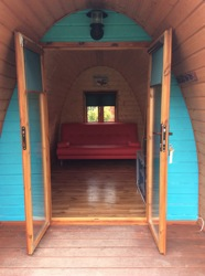 glamping-somerset-cheddar-bridge-pod-interior-s