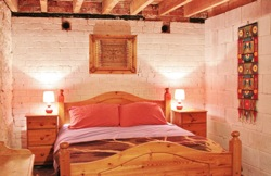 glamping-wales-barnutopia-stable-s