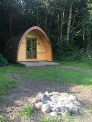 glamping-lincolnshire-new-farm-holidays-the-pod-s