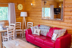 glamping-sussex-sumners-ponds-log-cabin-s