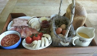 glamping-wales-with-hot-tub-bothy-hamper-s