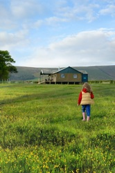 glamping-lancashire-lantern-and-larks-bleasdale-kid-field-s
