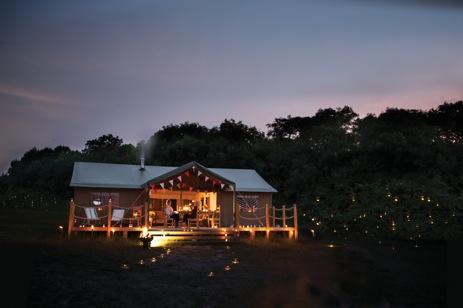 glamping-suffolk-southwold-lantern-and-larks-at-night
