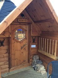 glamping-suffolk-with-hot-tub-forest-gate-east-gate-entrance-s