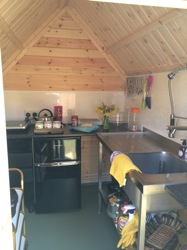 glamping-suffolk-with-hot-tub-forest-haven-kitchen-s