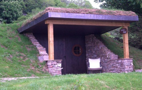 glamping-the-lake-district-the-quiet-site-hobbit-hole