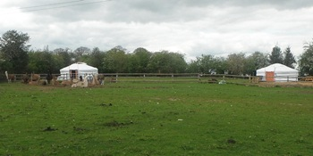 glamping-west-midlands-with-hot-tub-yurts-field-s