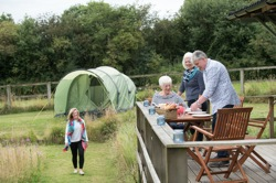 glamping-deryshire-and-peak-district-ashbourne-picnic-s