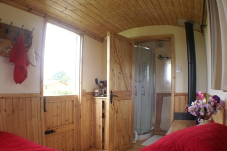 glamping-kent-shepherds-huts-south-east-strawberry-2