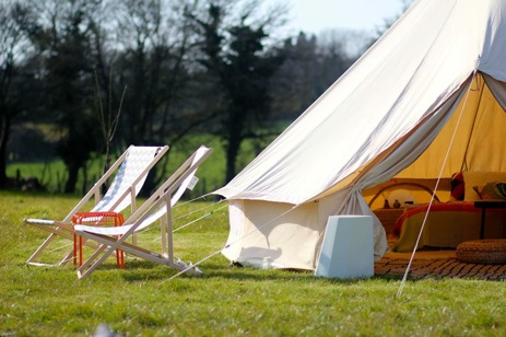 glamping-kent-the-sunny-field-campsite-bell-tent