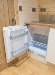 glamping-leicestershire-eye-kettleby-lakes-pod-fridge-s