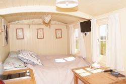 glamping-somerset-shepherds-hut-hassage-bedroom-s