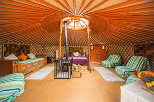 glmaping-wales-hidden-valley-yurts-interior-s
