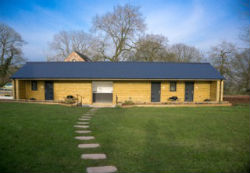 glamping-derbyshire-calwich-under-canvas-washrooms-s