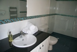 glamping-dorset-caalm-camp-wet-room-s