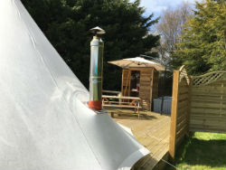 glamping-norfolk-with-hot-tub-swallow-park-bell-tent-s