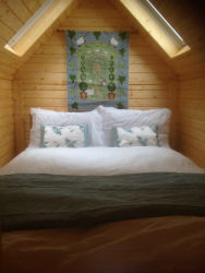 glamping-scotland-scottish-borders-hut-bedroom-s