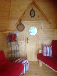 glamping-scotland-scottish-borders-hut-inside-s