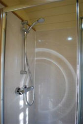 glamping-sussex-near-brighton-elsies-hut-shower-p
