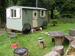 glamping-sussex-near-brighton-waydown-huts-the-fire-pit