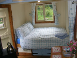glamping-sussex-near-brighton-waydown-huts-the-hut-bed