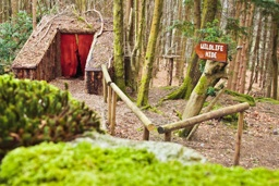 glamping-the-lake-district-herdy-huts-woods-s