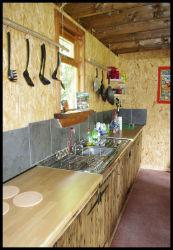 glamping-wales-camp-cynrig-kitchen-s