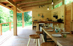 glamping-wales-redwood-valley-yurts-kitchen-veranda-s