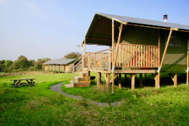glamping-wales-sloeberry-farm-lodge-s