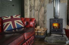 glamping-wales-sloeberry-farm-woodburner