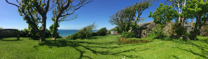 glamping-wales-the-farm-hut-panoramic-s