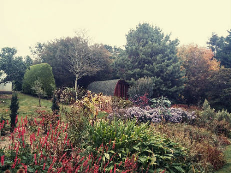 glamping-cornwall-with-hot-the-greenhouse-spa-juniper-pod