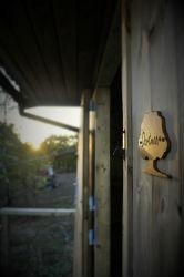 glamping-devon-oak-tree-lane-yurt-door