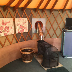 glamping-dorset-higher-manor-farm-holidays-linnet-woodburner-s