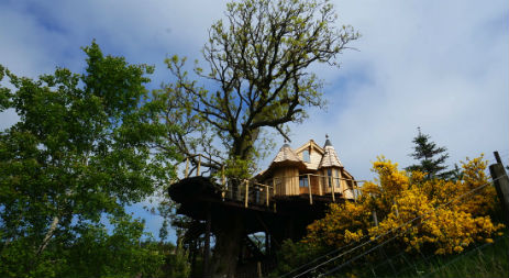 glamping-scotland-craighead-howf-the-treehouse
