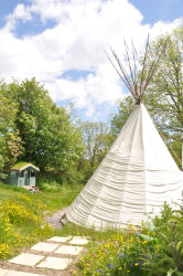 glamping-wales-with-hot-tub-tipi-corner-view-s