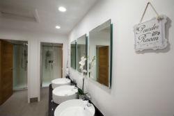 glamping-derbyshire-calwich-under-canvas-washrooms