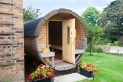 glamping-derbyshire-with-hot-tub-calwich-under-canvas-sauna-exterior