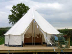 glamping-herefordshire-bell-tent-deck-s