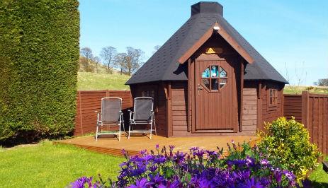 glamping-scotland-woodland-gardens-posh-pod