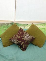 glamping-warwickshire-stratford-upon-avon-apple-farm-glamping-cushions-s