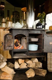 glamping-lecicestershire-the-dandelion-hideaway-woodburner