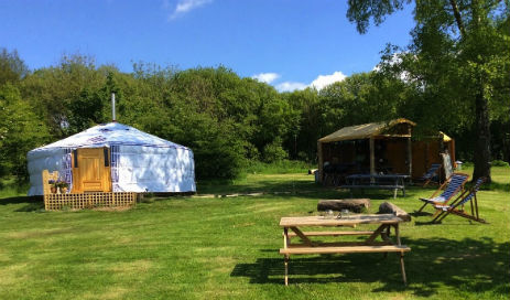 glamping-wales-cwm-ty-coed-the-yurt-and-garden