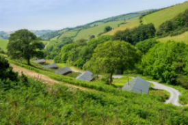 glamping-devon-longland-lodges-views-s