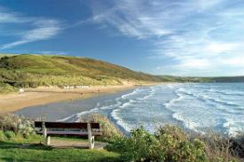glamping-devon-longlands-lodges-beach-s