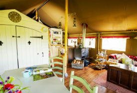 glamping-devon-longlands-lodges-inside-the-tent-s