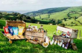 glamping-devon-longlands-lodges-picnic-s