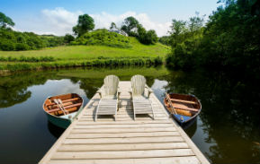 glamping-devon-longlands-lodges-safari-tent-lake
