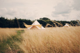glamping-norfolk-lings-meadow-bell-tent-s